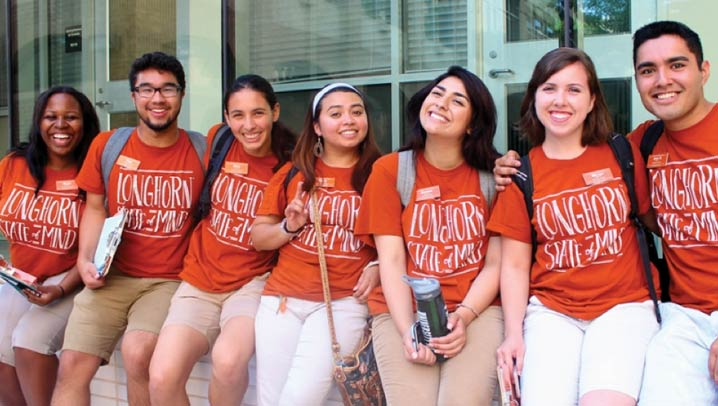 Students lined up with t-shirts that read Longhorn State of Mind